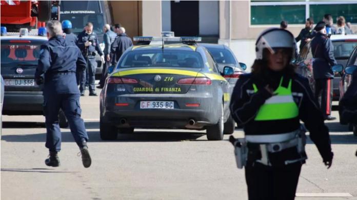 Rivolte dei detenuti nelle carceri di Modena e Napoli